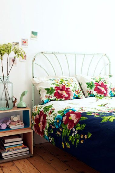 image credit; http://blog.hgtv.com/design/2011/03/22/daily-delight-floral-bedding/