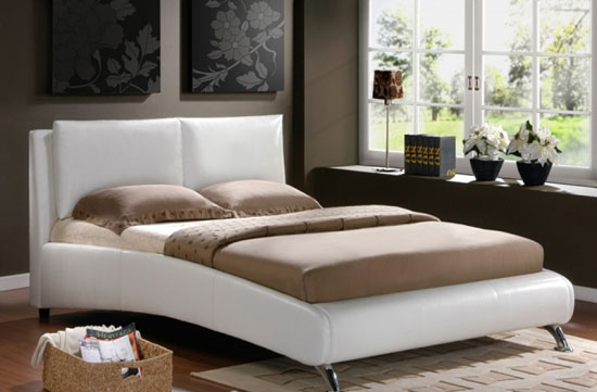 carnaby-white-faux-leather-bed_1323771984