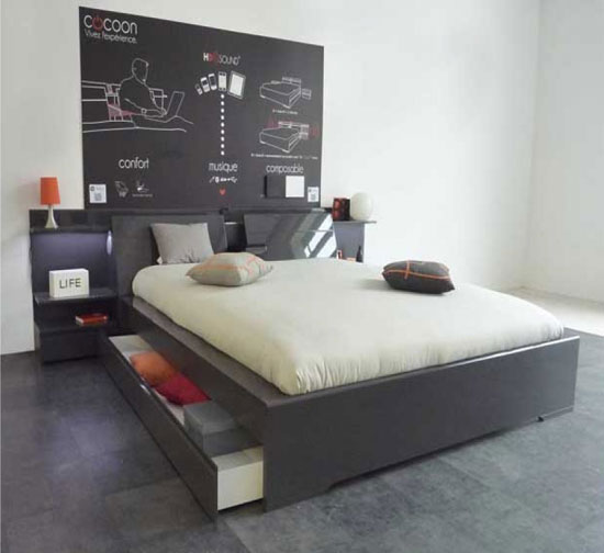 cocoon-grey-gloss-bed-with-speaker-headboard_1366907438